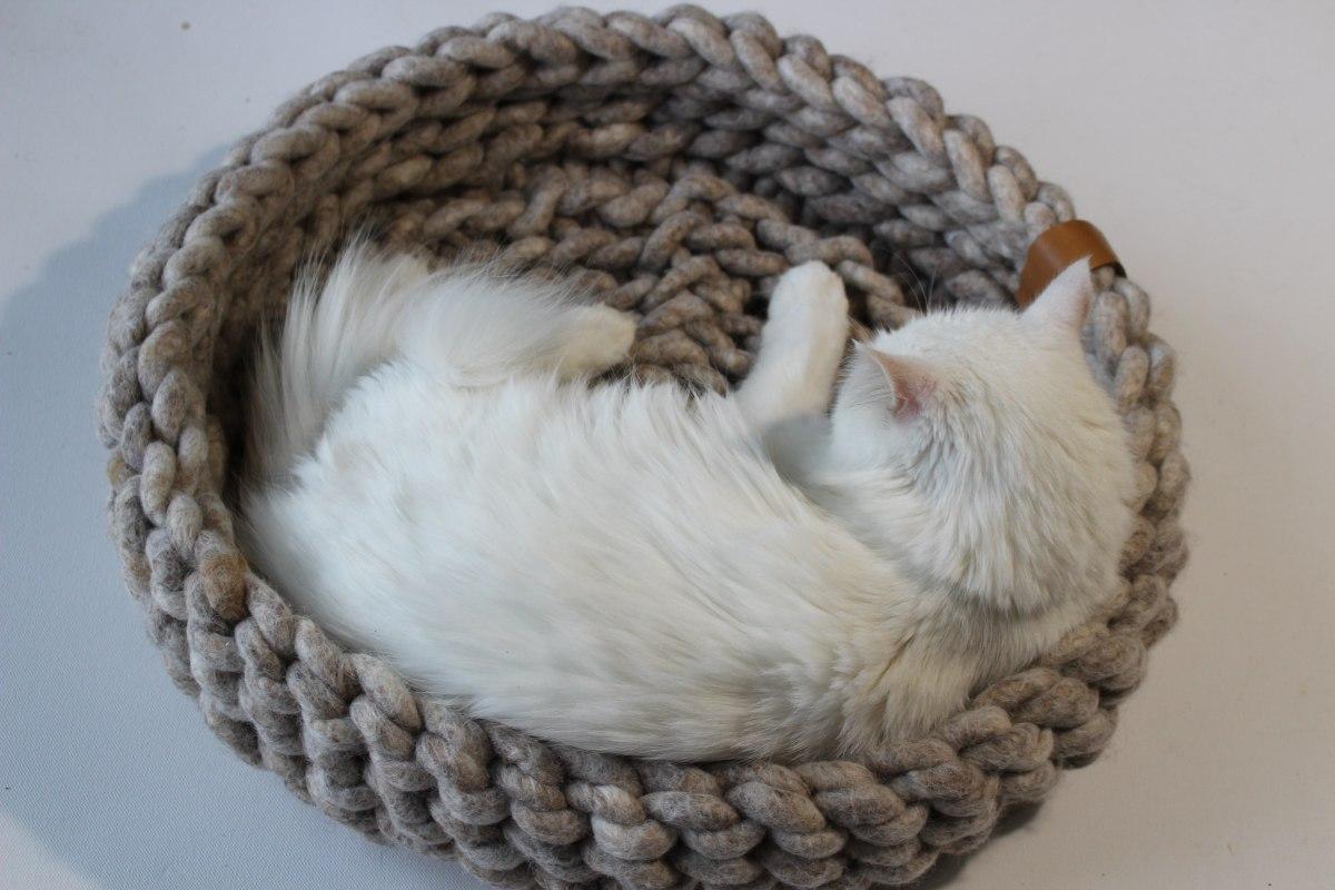 Katzenbetten und Hundebetten